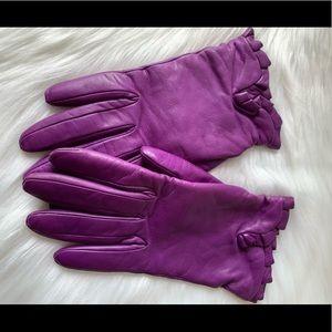 Henri Bendel purple leather gloves